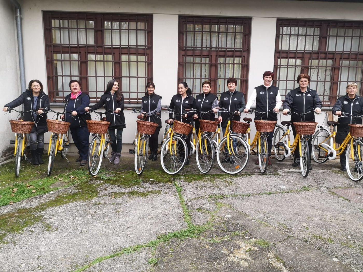 Potpisivanje ugovora  i preuzimanje bicikala zaposlenica Projekta