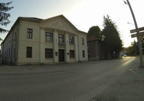 Obavijest o radnom vremenu Gradske knjižnice i čitaonice Milivoja Cvetnića